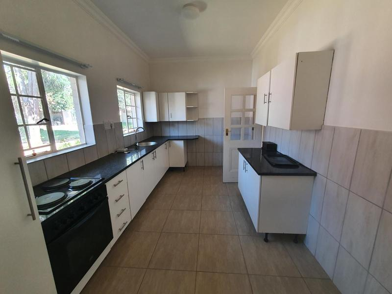 Property For Rent in Waterkloof, Pretoria 3