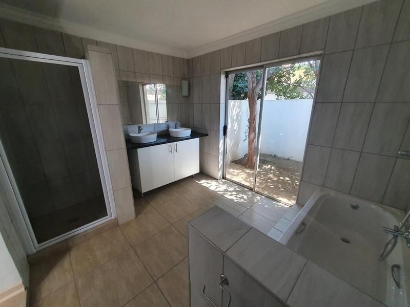 Property For Rent in Waterkloof, Pretoria 7