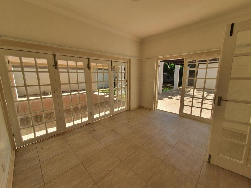 Property For Rent in Waterkloof, Pretoria 16