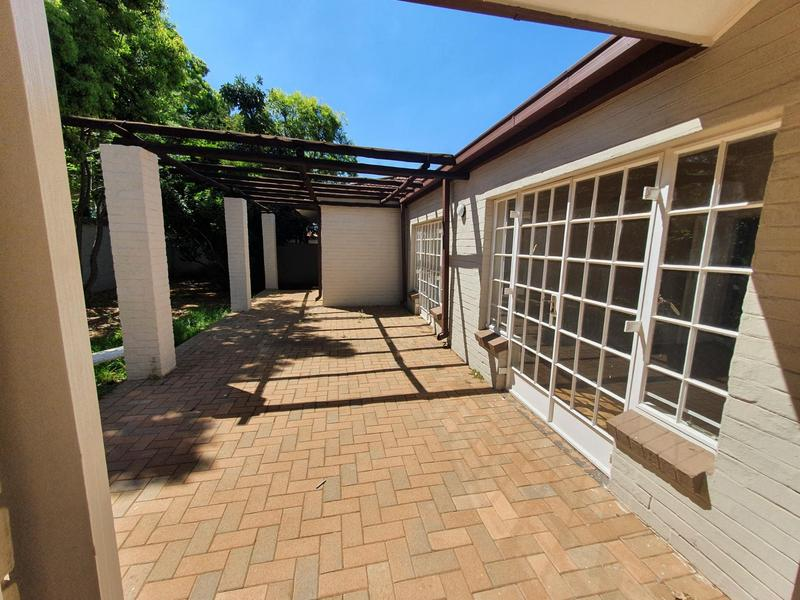Property For Rent in Waterkloof, Pretoria 17