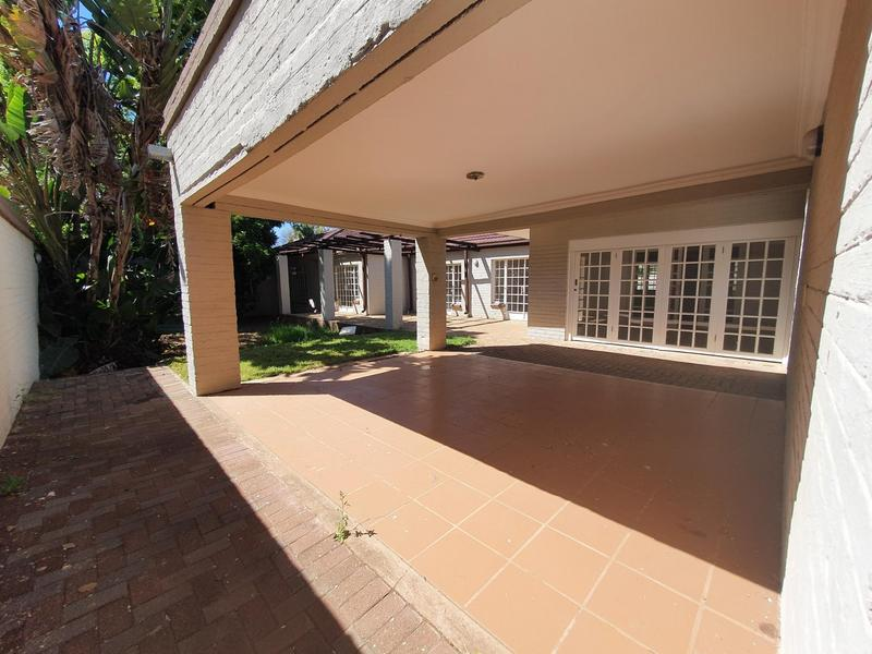 Property For Rent in Waterkloof, Pretoria 22