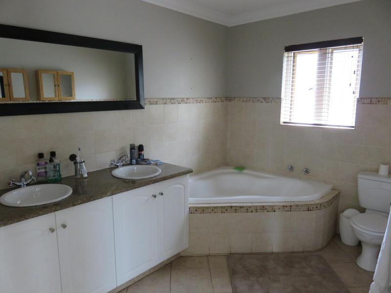 Property For Rent in Cornwall Hill, Centurion 10